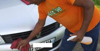 LAVEO : lavage écologique sans eau de véhicules
