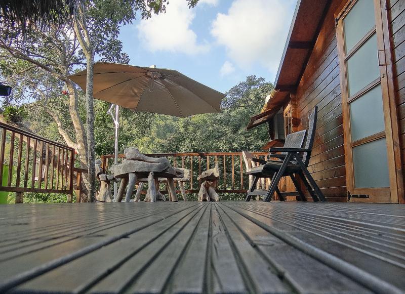 Cabane r ve d 39 enfant perch e dans les arbres avec terrasse et jacuzzi priv location de - Cabane dans les arbres avec jacuzzi sud ouest ...