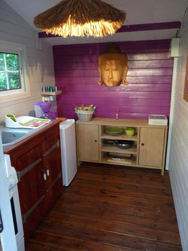 cabane r ve d 39 enfant perch e dans les arbres avec. Black Bedroom Furniture Sets. Home Design Ideas